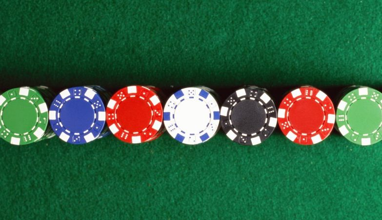 Online Casino the Pros and Cons of Live Dealers